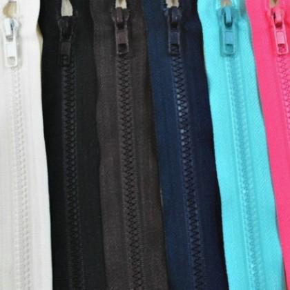 CLEARANCE : 5V Zipper