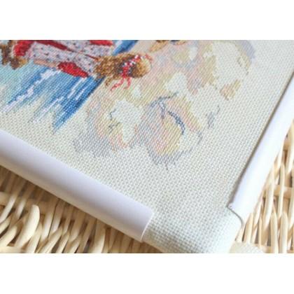 Embroidery Cross Stitch Clip On Plastic Frame 34cm x 28cm